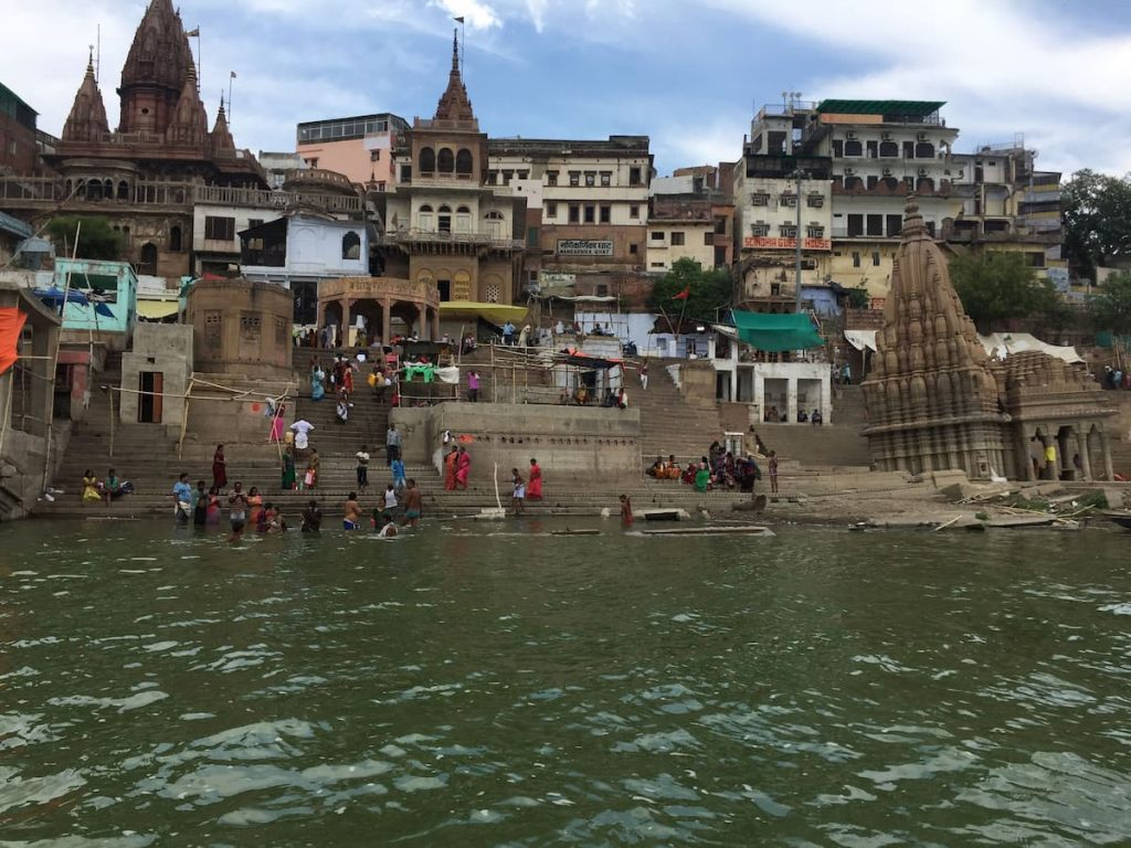 Bord de gange Benares Varanasi Inde