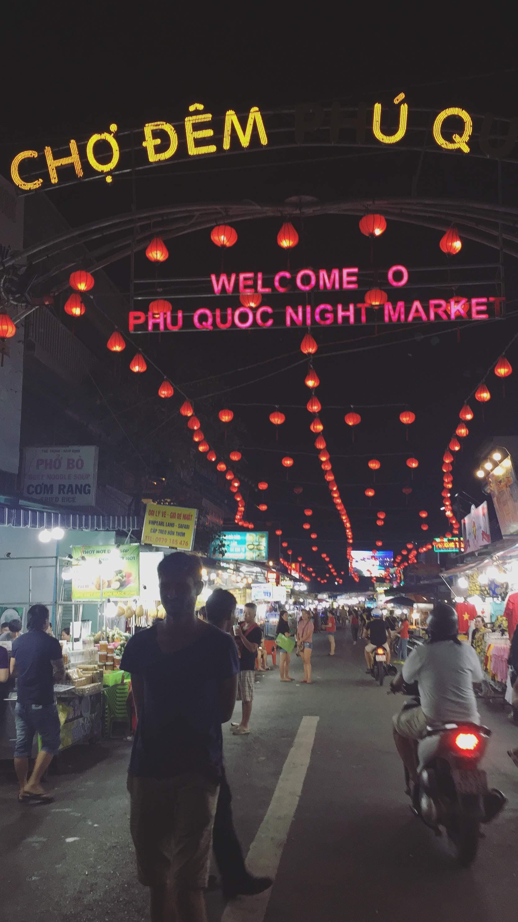 Marche de nuit Phu Quoc Vietnam Sud