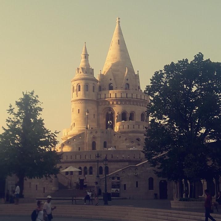 budapest-place des pecheurs chateau