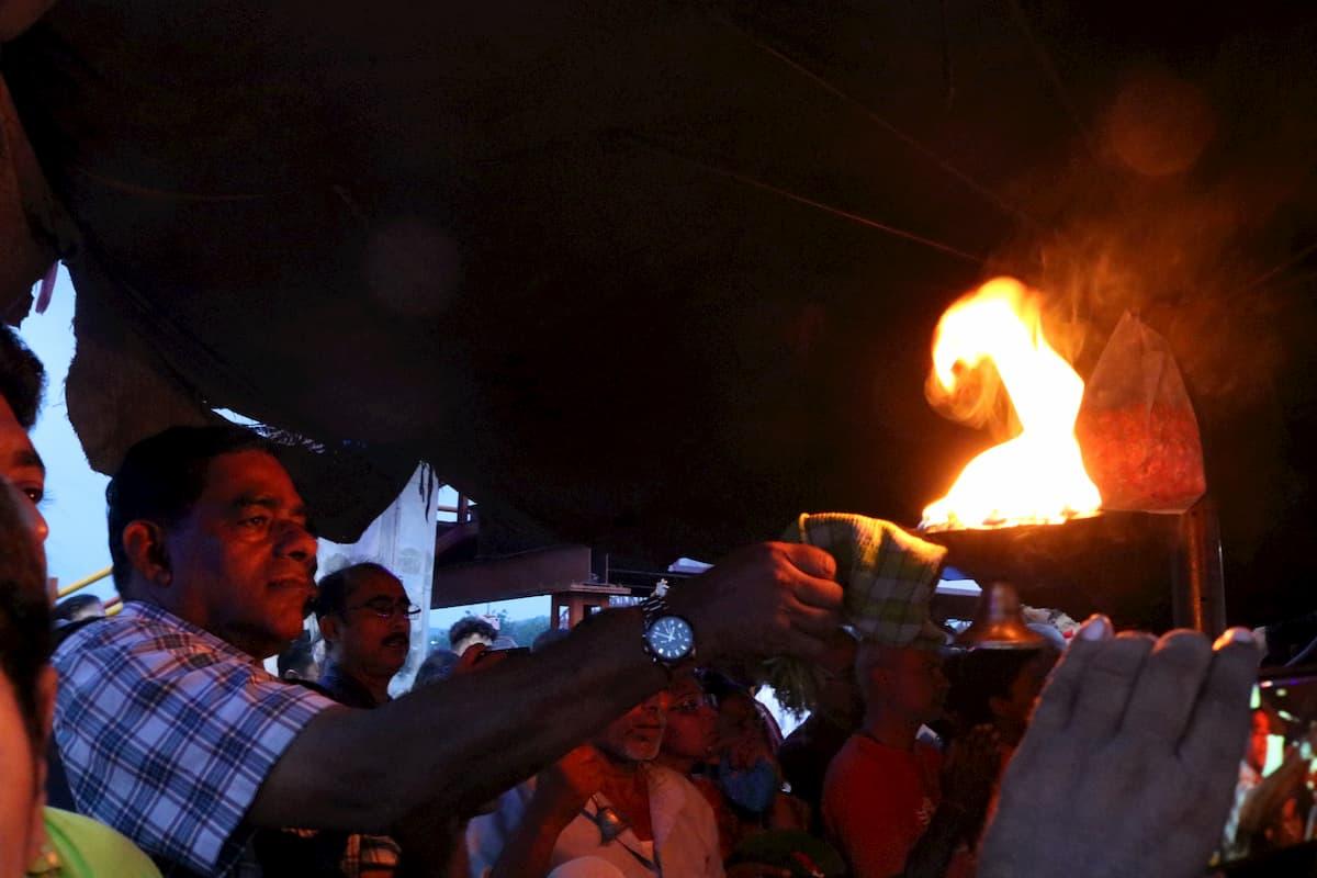 Haridwar Gange ceremonie lampions Inde
