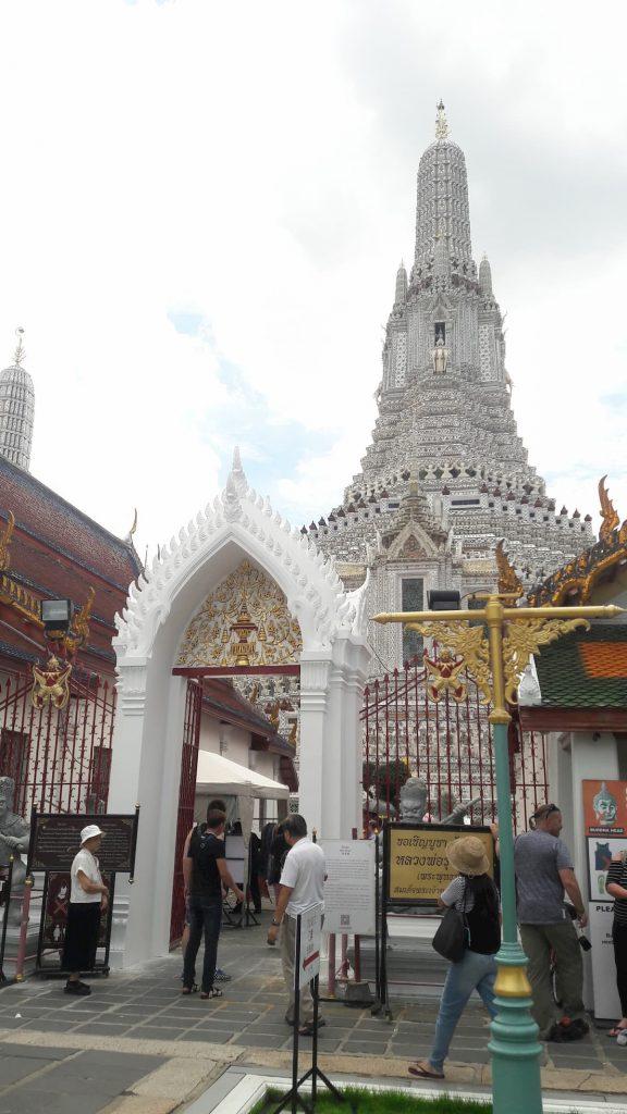 Temple du soleil de l'aube Temple Blanc