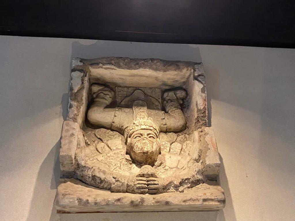 L'acrobate du Musée d'anthropologie de Mexico City